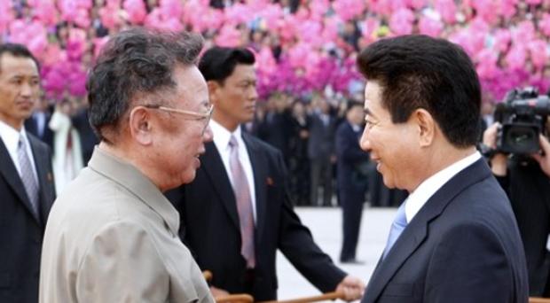 2007년 2차 남북정상회담 당시 노무현 대통령과 김정일 국방위원장.