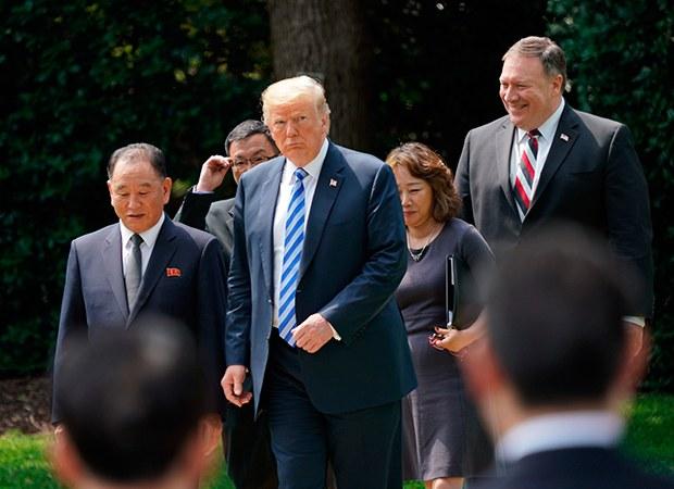 Trump_KimYongChol_b.jpg