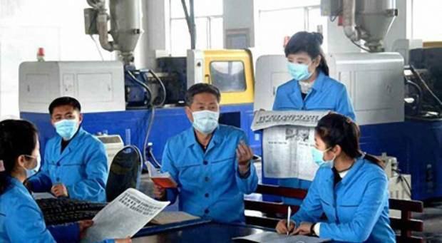 workers_newspaper.jpg