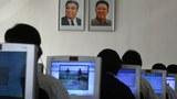 북한 학생들이 수업시간에 컴퓨터를 이용하고 있다.