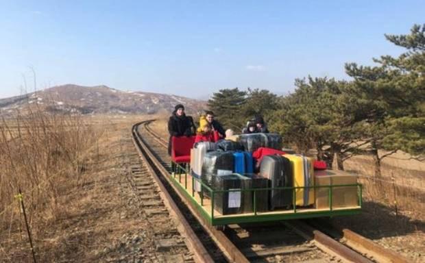 """""""코로나로 북 주재 외국 공관 12곳 폐쇄"""""""