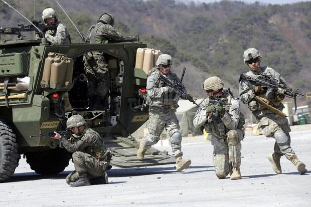 """CRS """"문 대통령 '한미훈련 북한과 논의' 발언, 미 정책에 반할수도"""""""