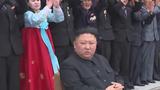 북한 김정은 국무위원장이 지난 13일 노동당 제6차 세포비서대회 참가자들과 함께 한 모습.
