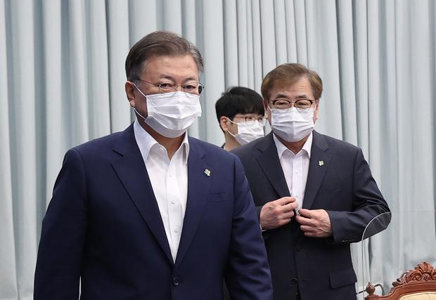 """한국 정부, 남북 정상 서신교환 관련 """"아는 바 없어"""""""