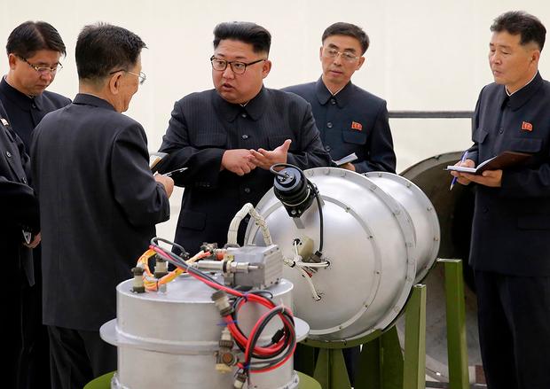 """SIPRI """"북 보유 핵탄두 지난해보다 10개 증가"""""""