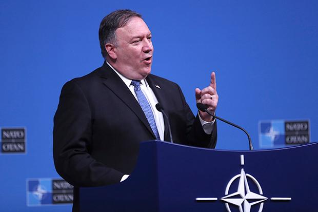 4일 브뤼셀의 나토(NATO) 본부에서 열린 나토 외교장관 회담에서 폼페이오 미국 국무장관이 연설하고 있다.