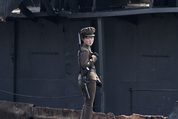 북, 국경경비 무력에 여군부대 투입