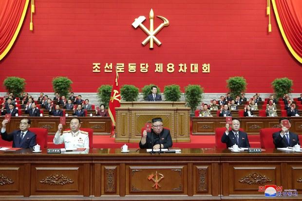 김정은, 당대회서 '경제 실패' 자인