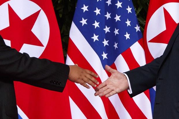 """""""대화의 문은 열어놔도, 핵 억제력은 강화해야"""""""