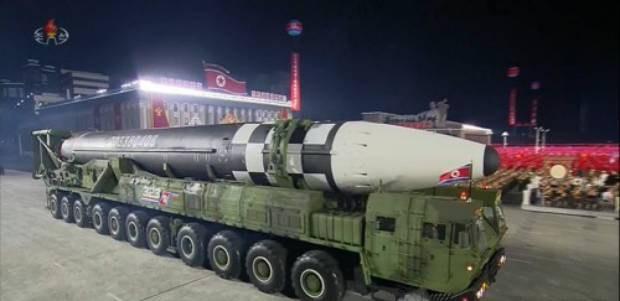 """미 국가정보국장실 """"김정은, 올해 핵·ICBM 시험 검토할 수도"""""""