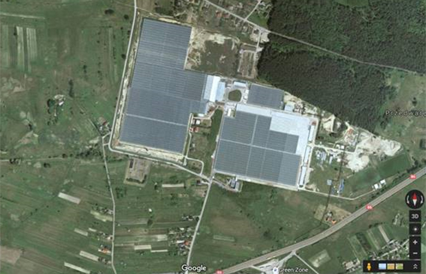 위성사진으로 본 T. Mularski의 대규모 농장 모습.