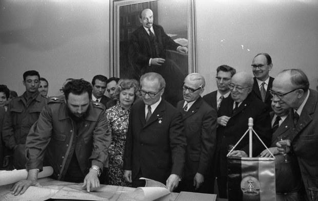 독재자들의 말로(4) - 동독 에리히 호네커