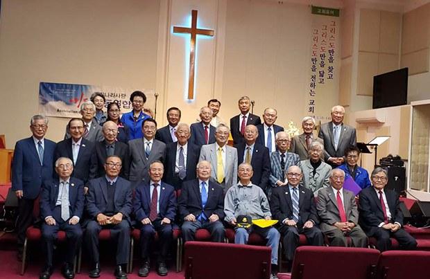 prayer_group-620.jpg