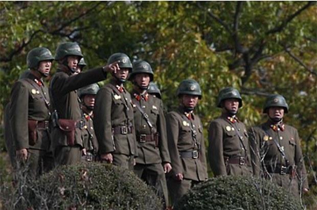 nk_soldiers_watch-620.jpg