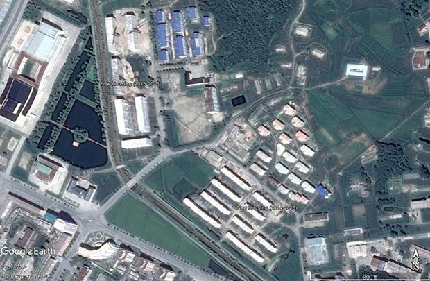 2014년부터 2015년 사이에 1차, 2015년부터 현재까지 2차에 나눠 건설 공사가 진행 중이다. 이곳에 입주하는 근로자가 늘어나는 만큼, 여전히 핵 프로그램의 개발을 우선시하는 북한 정권의 정책을 엿볼 수 있다는 지적이다.