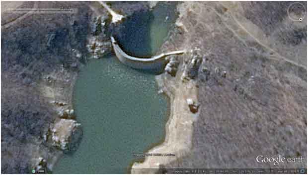 2014년 4월, 회창 1호청년발전소의 모습. 수력 발전을 할 수 없을 만큼 수자원이 말라버렸다. 사진-구글 어스 캡쳐/ 커티스 멜빈 제공