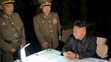 북한 김정은 국방위원회 제1위원장이 정전협정 체결 61주년을 하루 앞두고 북한군의 미사일 발사훈련을 지도했다고 노동신문이 27일 보도했다. 노동신문은 정확한 장소와 시간을 밝히지 않았지만 김 제1위원장이 26일 오후 황해도 장산곶 일대에서 진행된 단거리 탄도미사일 발사 훈련을 참관한 것으로 보인다.