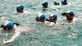 북한 조선중앙TV는 지난 7월 2일 김정은 국방위원회 제1위원장이 해군 동해함대와 서해함대 고위 지휘관들의 수영 훈련을 지휘하는 영상을 내보냈다. 50대가 넘어보이는 지휘관들이 수영모를 쓰고 바다에서 헤엄치는 모습이 보인다.