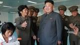 북한 김정은 국방위원회 제1위원장이 현대화공사를 마친 10월8일공장을 현지지도하고 있다.