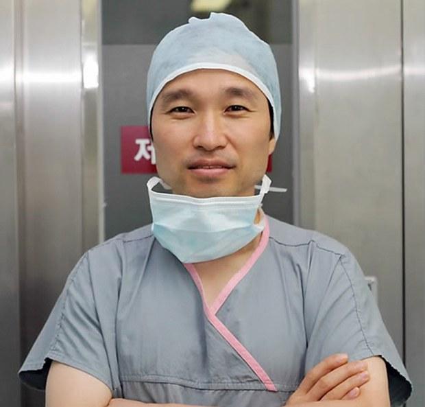 defector_surgeon_b