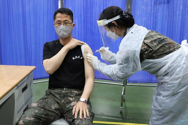 연일 전 세계의 이목이 집중된 코로나19 백신