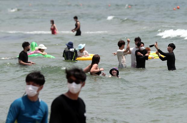 북한에서는 비누 하나로 다 씻었는데…