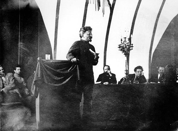 comintern_trotsky_b
