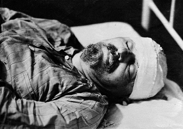 Leon_Trotsky_death_b