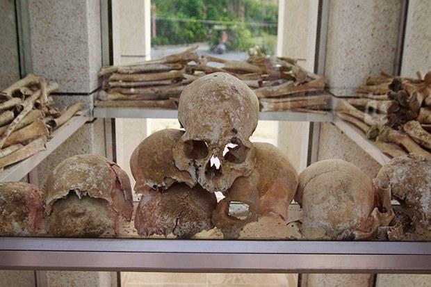 cambodia_human_bones_b