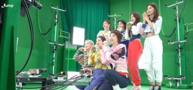 가상 공간 '메타버스'로 새 성장 동력 찾는 K-팝
