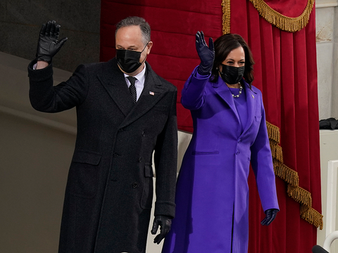 20일 현지시간 미국 대통령 취임식에 참석한 카멀라 해리스 부통령과 남편 더글러스 엠호프.