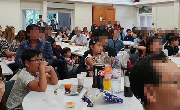 런던의 아리랑 행사에 참석한 사람들.