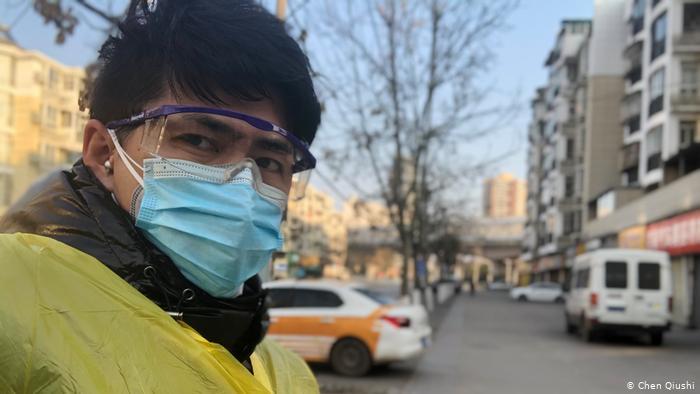 陈秋实近期前往武汉疫区,通过油管上传一系列视频说明当地情况。(陈秋实社媒图片)