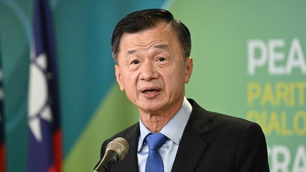 台湾陆委会主委邱太三警告北京:持续威胁打压将延长两岸冬天