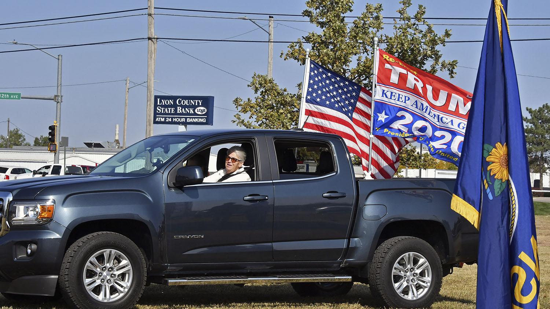 2020年10月6日,美国堪萨斯州的一个特朗普支持者。(美联社)