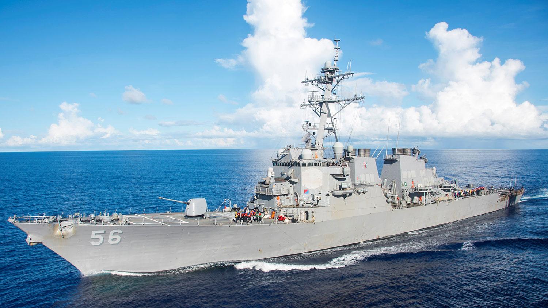 """""""約翰·麥凱恩""""號驅逐艦(DDG-56)。(路透社)"""