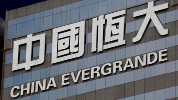 評論   程曉農:中國房地產業的多米諾骨牌效應