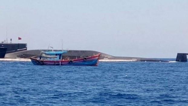 越南漁民拍攝到中國潛艇。(Public Domain)