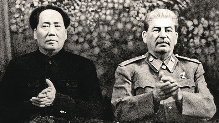斯大林(右)和毛泽东。(Public Domain)