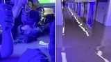 2021 年 7 月 20 日拍攝並由微博用戶提供的照片,顯示了河南省鄭州市暴雨後淹沒的地鐵車廂。
