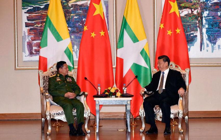 2020年1月18日,中国国家主席习近平在内比都下榻饭店会见缅甸国防军总司令敏昂莱。 (美联社)