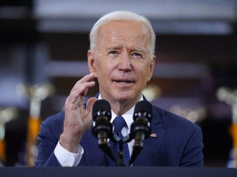 美国总统拜登在匹兹堡演讲中展示了美国逾4万亿美元的宏大基建计划、誓言与中国竞争并重塑美国经济。