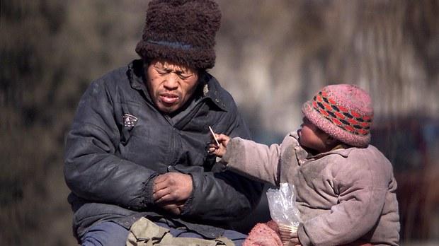 貧困戶仍在艱難中掙扎求生(法新社資料圖片)