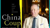 英国资深外交官和银行家Roger Garside 和他刚刚出版的《中国政变:迈向自由的大跃进》一书。