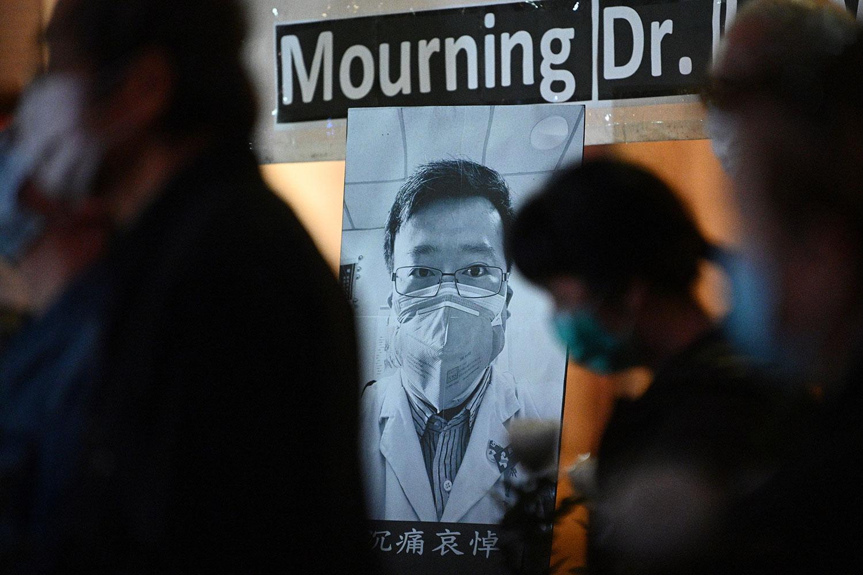2020年2月7日,香港民众在悼念李文亮医生。(法新社)