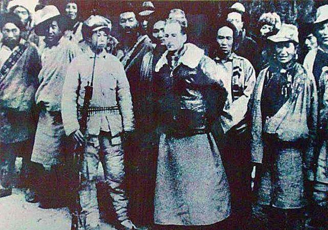 """中国官宣网站至今仍写:""""美、英等国的情报机构参与了叛乱。亲手杀害爱国藏民首领格达活佛的英国人福特被抓获。""""(来自网络)"""