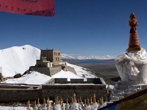 依照旧貌重建的江扎寺具有宫堡建筑风格。