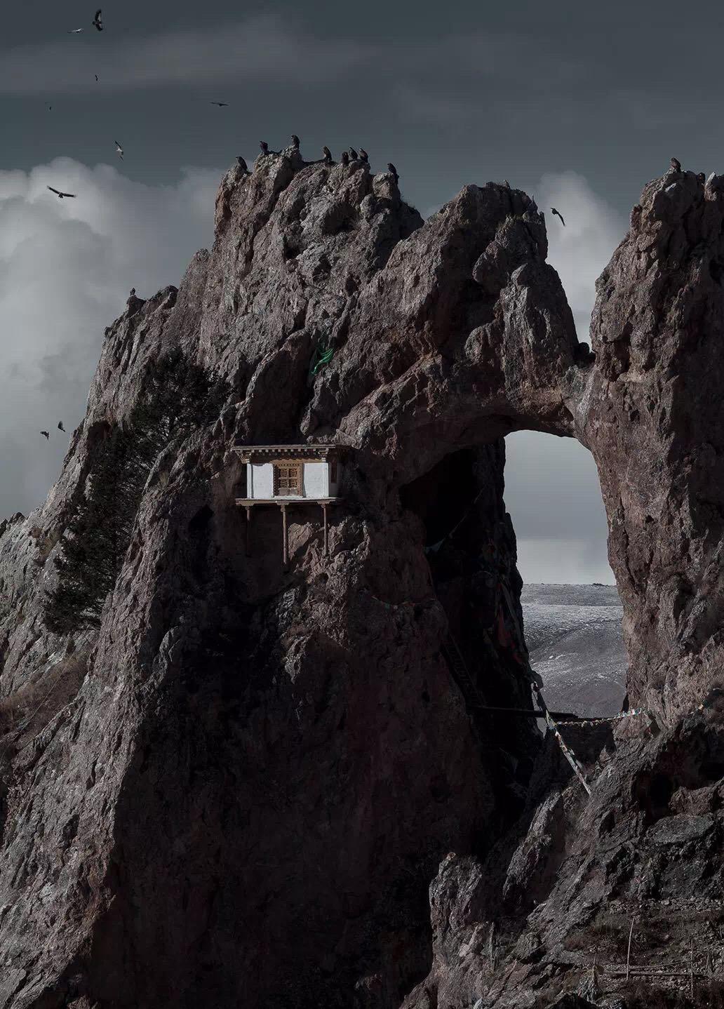 孜珠寺上面的修行处。(潘宇峰摄影)