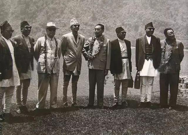 周恩來和陳毅訪問尼泊爾(唯色提供)