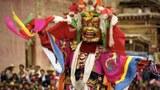 白玉寺的金刚法舞。(唯色1999年摄影)